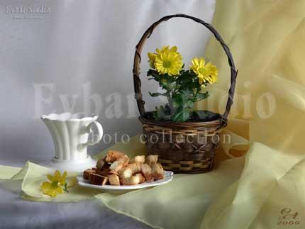 Сухарики из белого хлеба натюрморты